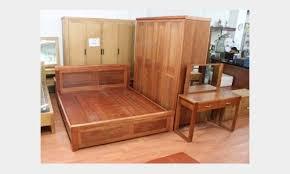Tháo lắp bàn ghế