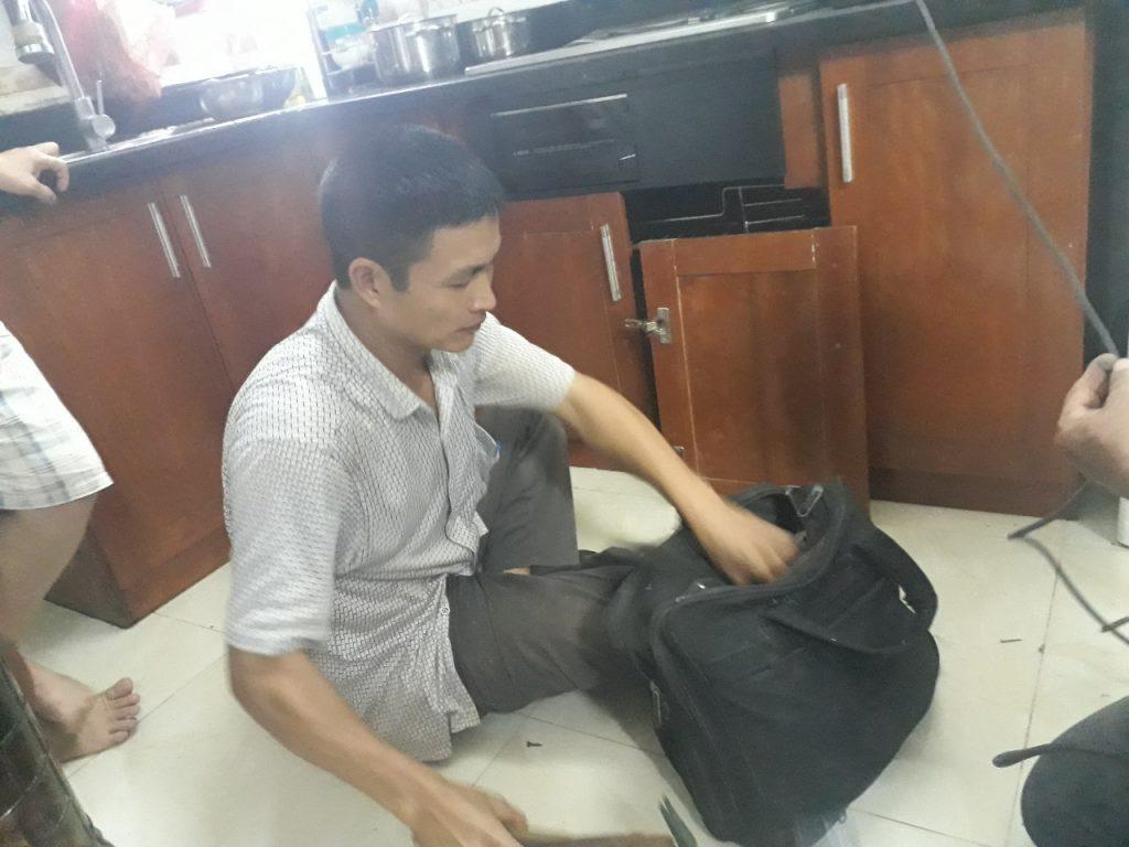Quang Tùng Chuyên Sửa Chữa Tủ bếp Tại Nhà
